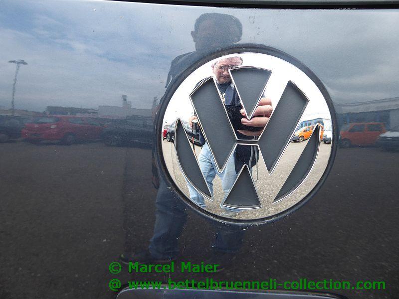 VW Emblem 001h
